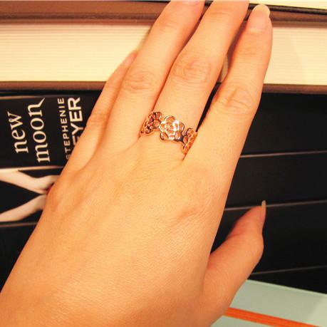 想你尹恩惠同款 镂空山茶花戒指韩版潮人女玫瑰金钛钢