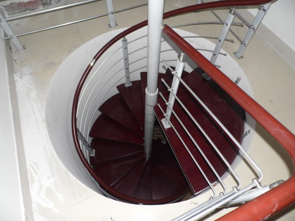 热销!整体楼梯/旋转楼梯/阁楼楼梯/楼梯扶手/栏杆/刚木楼梯