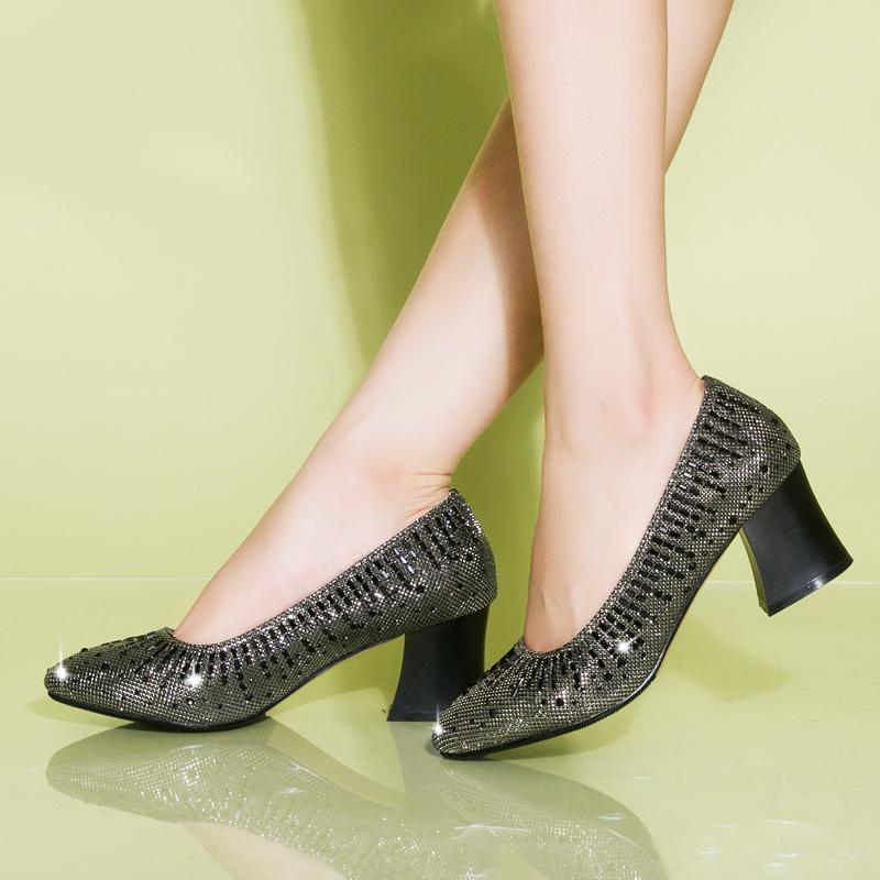 老北京布鞋女鞋中跟粗跟时尚水钻银色高跟女士单鞋特价清仓
