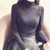 套头打底衫冬季长袖女装短款修身显胸保暖衫半高领针织衫加厚毛衣