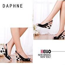 时尚 高跟鱼嘴浅口韩版 女鞋 达芙妮凉鞋 坡跟夏季新款 女正品 Daphne