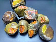 宣化上谷战国红玛瑙原石开口蛋子料滴水崖红玛瑙平安扣手把件雕刻