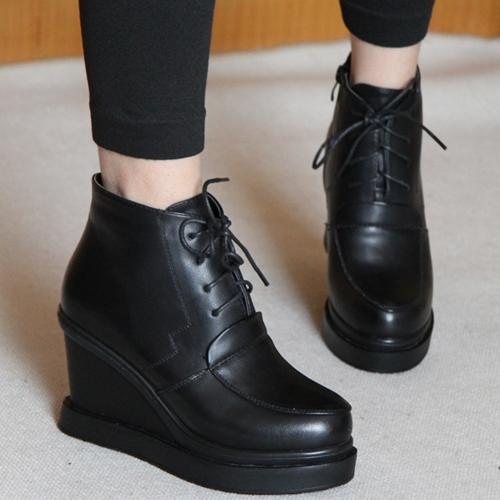热卖新款粗高跟坡跟前系带女鞋舒适优雅马丁靴圆头大牌加棉女短靴