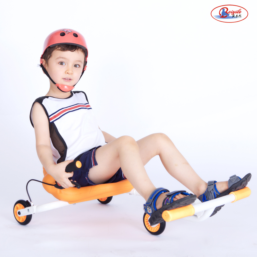 贝易乐溜溜车滑板车儿童摇摆车悠悠车滑行车静音三轮脚蹬摇玩具车