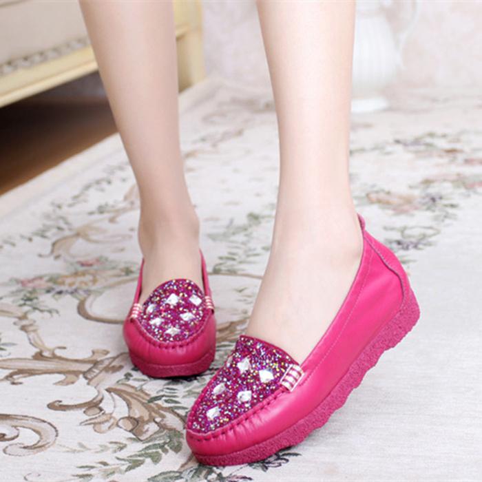 春秋季新款真皮平跟休闲女单鞋豆豆鞋软牛皮防滑孕妇鞋舒适妈妈鞋