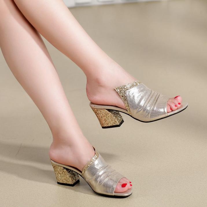 拖鞋设备藕粉真皮女夏韩版大码鱼嘴鞋中跟进口v拖鞋女士时尚图片