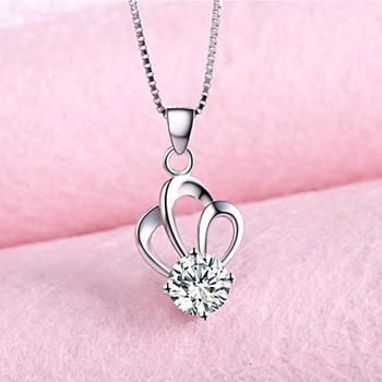 天然水晶项链皇冠女吊坠气质首饰品日韩简约短款锁骨链送女友礼物