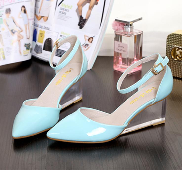 明星杂志水晶透明中高坡跟罗马款糖果色尖包头真皮金属女凉鞋33