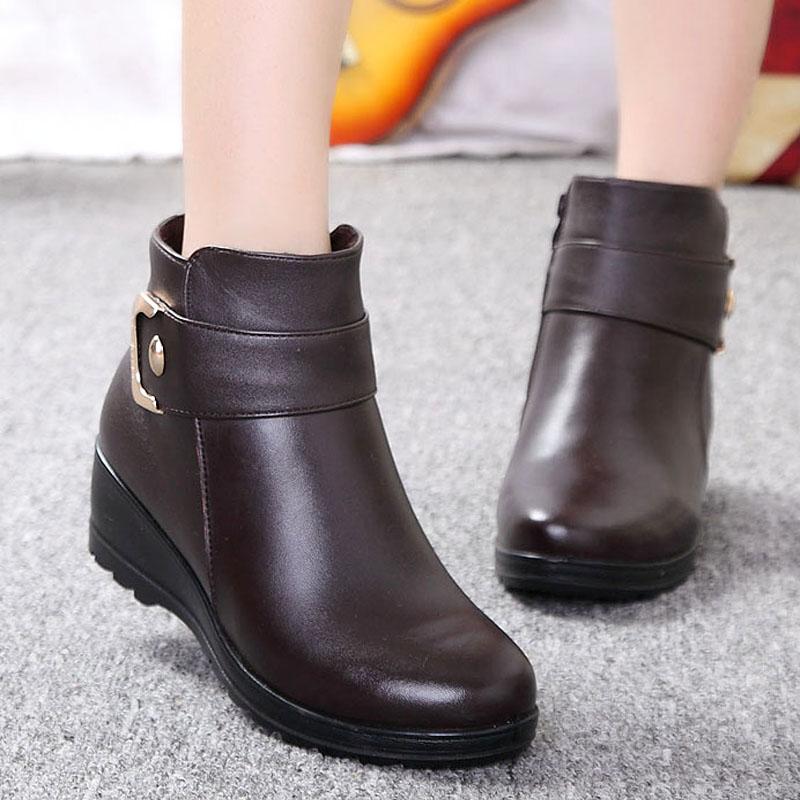 贞鸽2014冬季新款短靴 牛皮妈妈棉鞋中老年防滑牛筋底保暖女靴