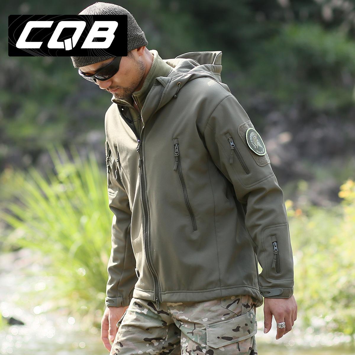 CQB 正品鲨鱼皮软壳 户外登山徒步 冲锋衣 男 防水透气保暖外套