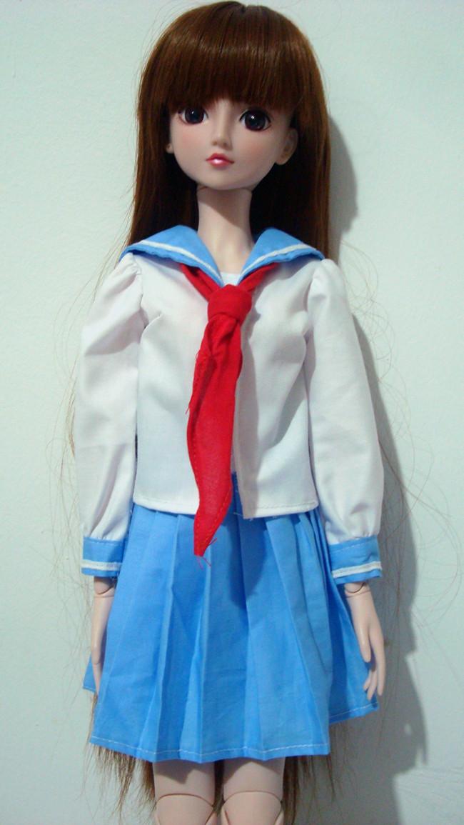 正品[穿校服的校服头像]qq女生女学生穿头像评背美的学生图片