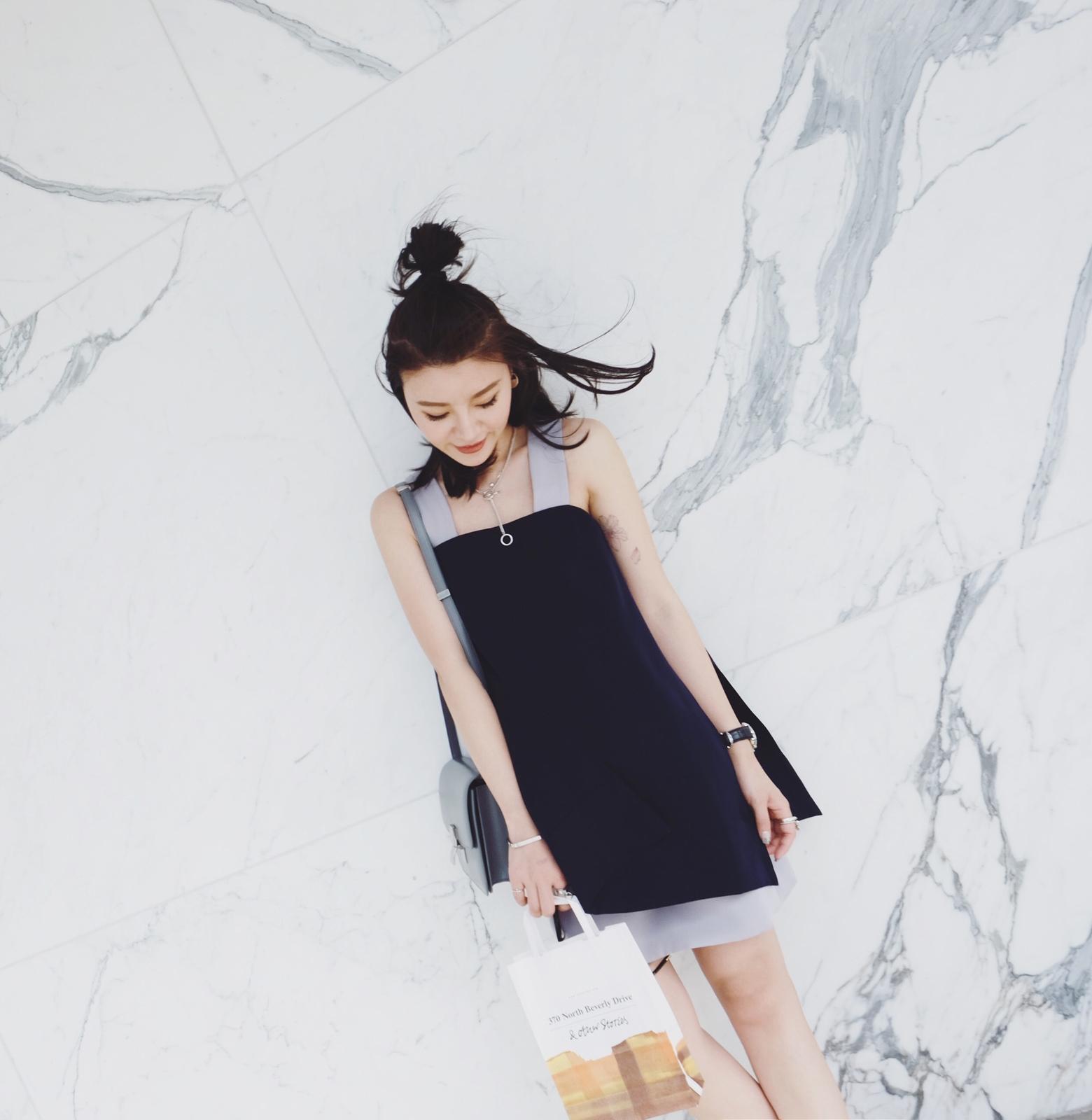 iWiNG 夏季新款 less is more气质配色交叉设计吊带连衣裙 女夏