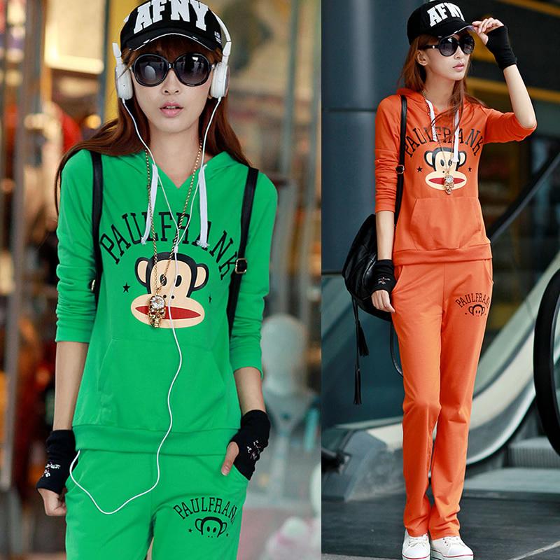 2012年名娜服装店秋冬韩版女式休闲运动卫衣流行新款套装