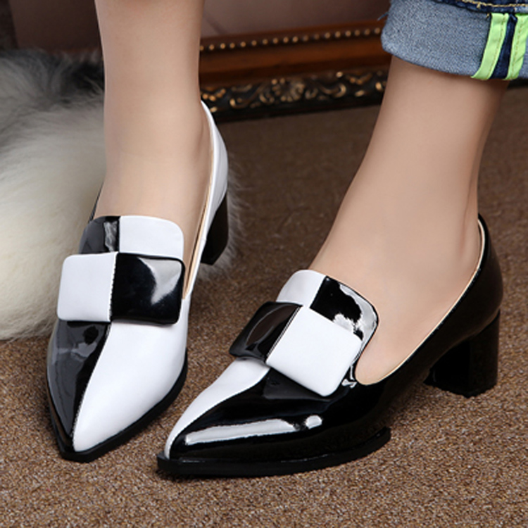 欧洲站2013春季新品牛漆皮女鞋黑白拼色真皮鞋尖头英伦粗跟单鞋女