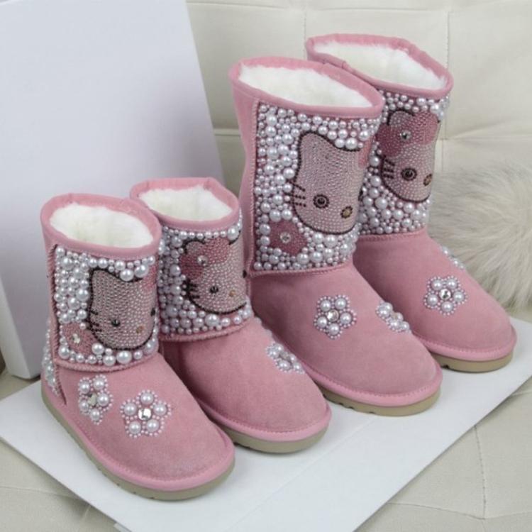 KT猫亲子母女鞋靴子冬 厚底真羊皮毛一体水钻雪地靴女童棉靴短靴