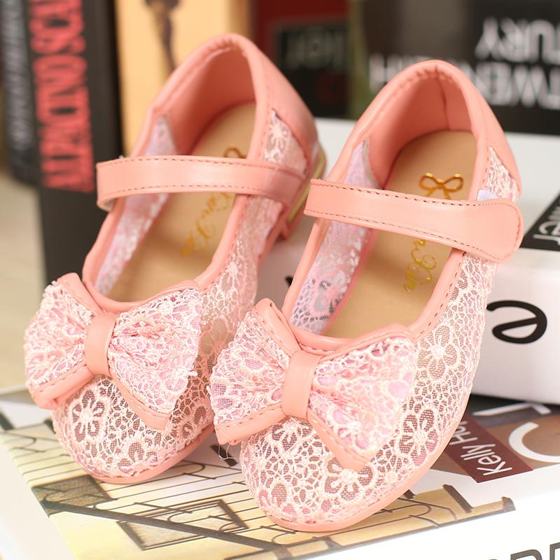 2014春夏新款韩版绣花包头粘扣公主单鞋洞洞鞋女童皮鞋透气凉鞋