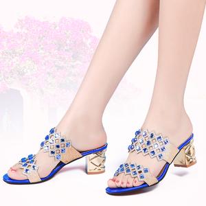 2015夏季女式时尚拖鞋女人凉鞋休闲高跟露趾粗跟甜美水