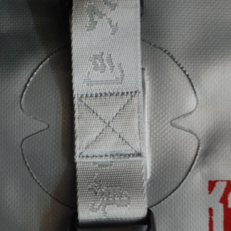 鱼护包渔具包渔户袋双层圆形多功能防水加厚耐磨折叠飞牌钓具
