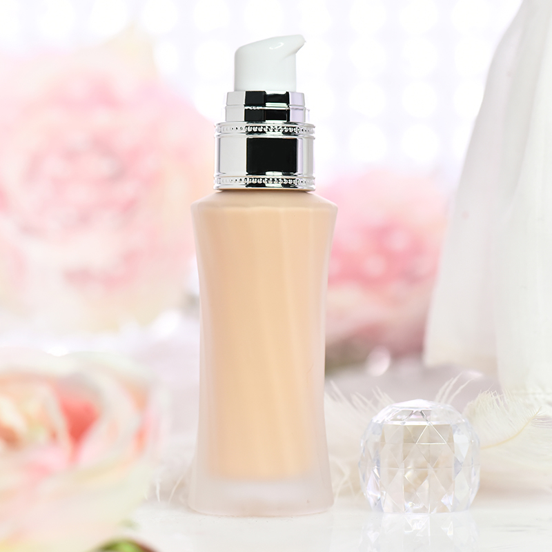 BB油腻霜提亮强效肤色 持久保湿控油不掉妆 修容亮颜粉底