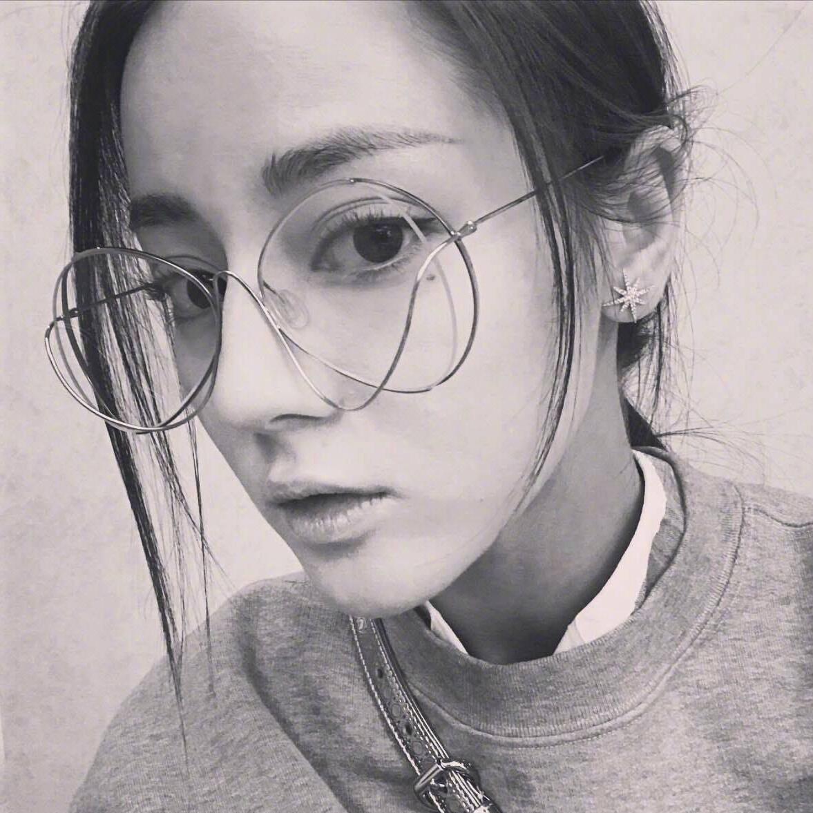 迪丽热巴同款眼镜墨镜潮女平光镜素颜眼镜架框