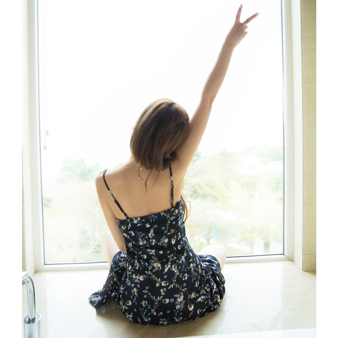 潮韓版連衣裙時尚夏季吊帶學生碎花清新女裝裙子