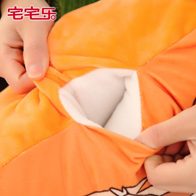 可爱女孩抱枕被子两用动漫周边卡通午睡暖手手捂趴