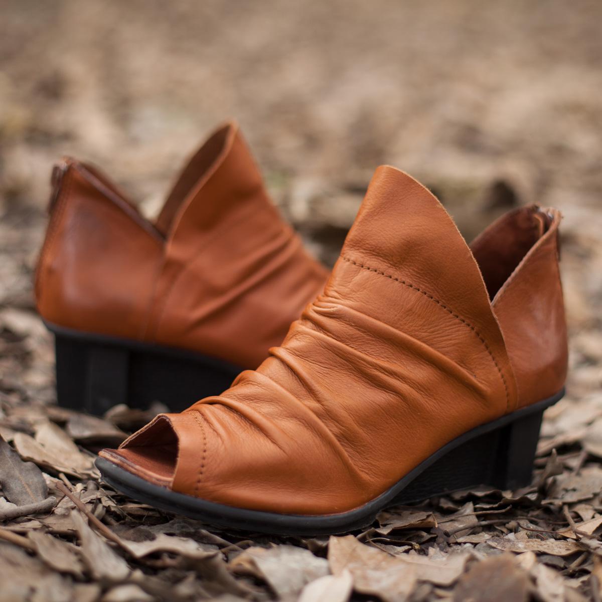 吐火罗春款原创真皮独特小尖头民族风褶皱牛皮单鞋坡跟素人风女鞋