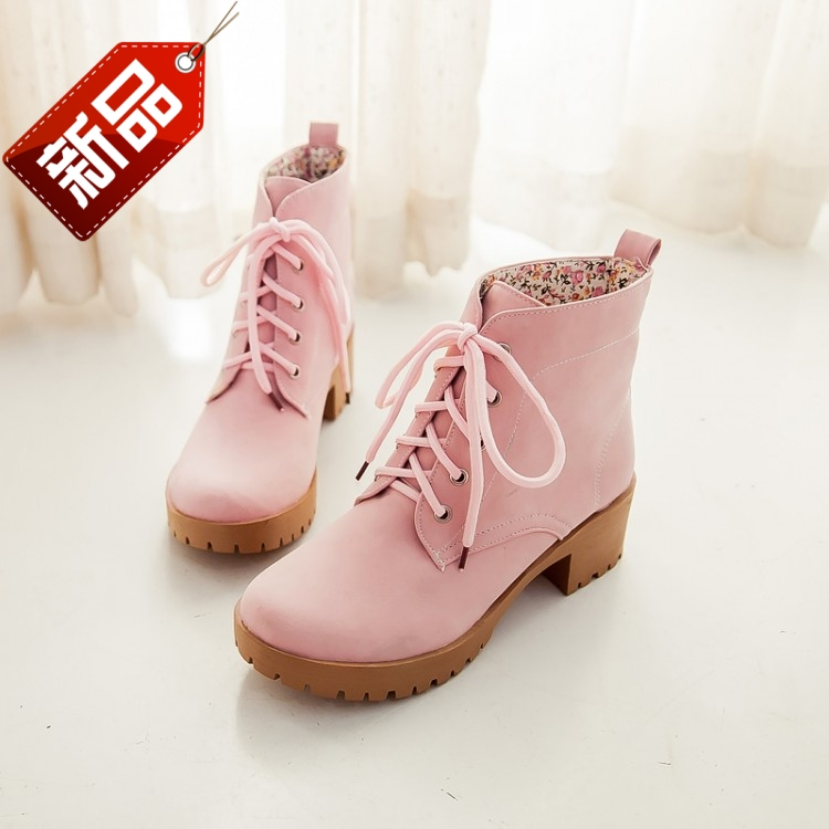 2014秋季新款漆皮浅口坡跟单鞋女甜美裸色中跟鞋休闲修身时尚短靴