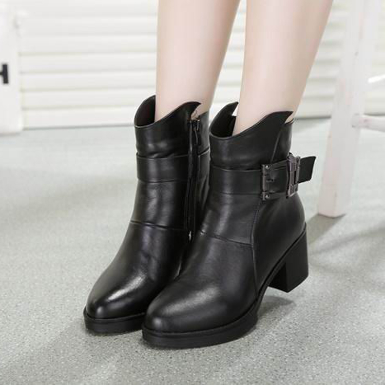 2014冬季新款粗跟骑士靴韩版圆头女靴真皮短靴女高跟皮带扣棉靴